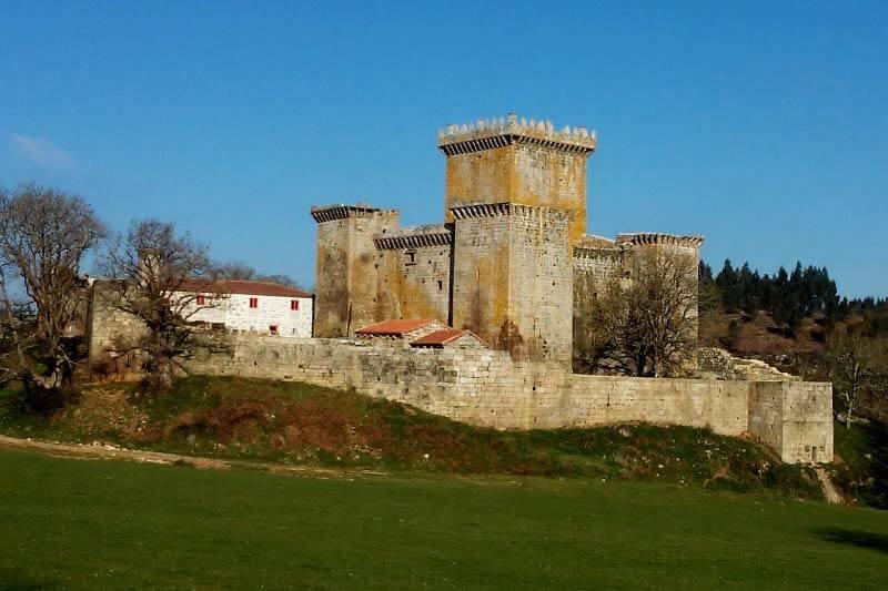 Castelo de Pambre. A Casa dos Ulloa