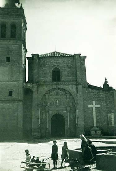 Colegiata del Santísimo Sacramento de Torrijos (Toledo) a mediados del siglo pasado