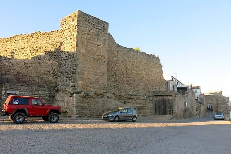 Sabiote muralla Puerta de Granada