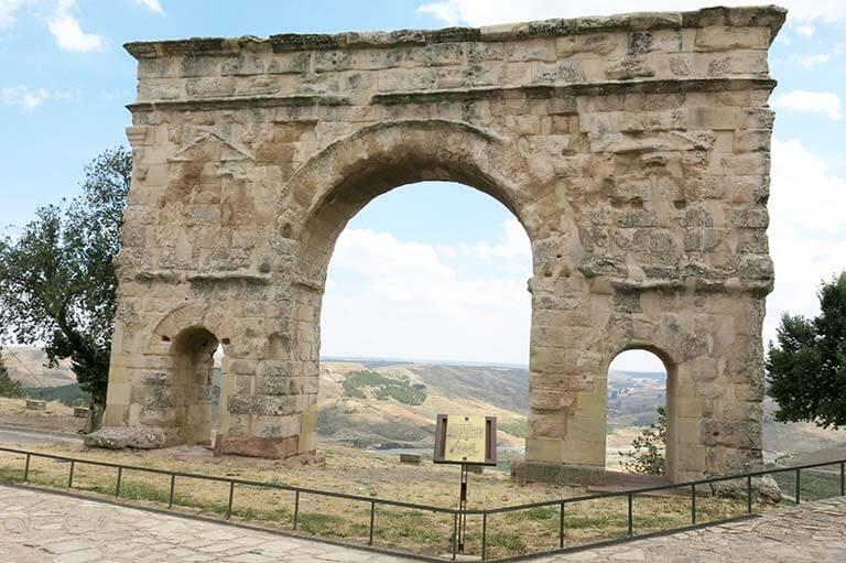 Medinaceli arco romano