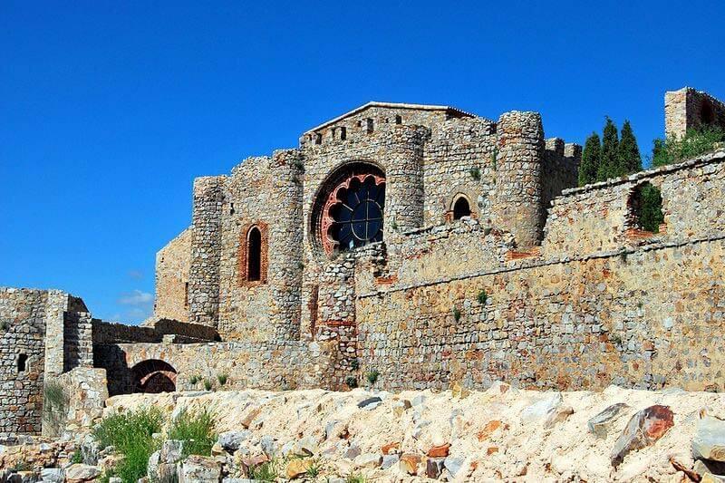 Castillo-convento de Calatrava la Nueva (Ciudad Real) de la Orden de Calatrava (Foto de Javier Pastor, wikipedia commons)
