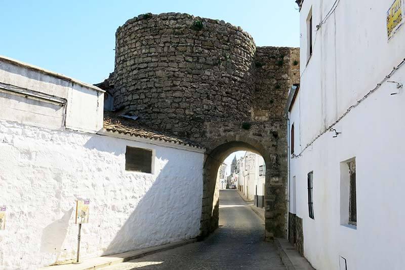 Sabiote muralla Arco nuevo