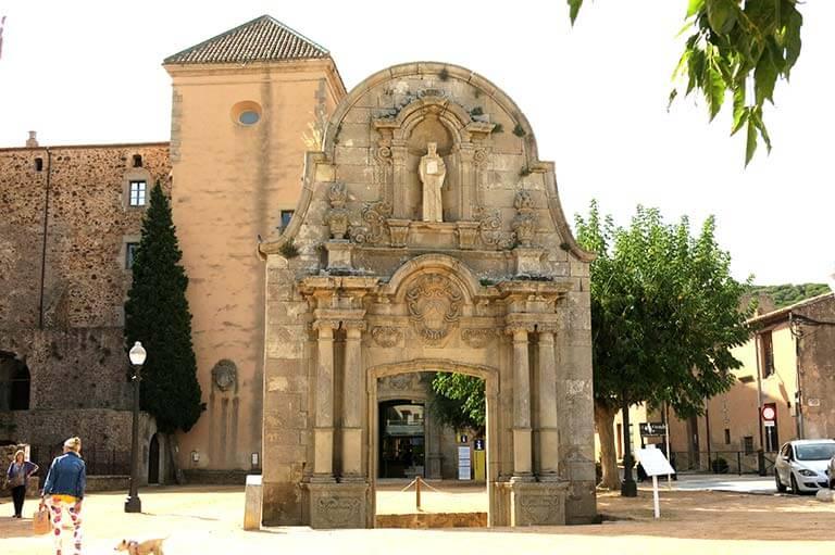 Sant Feliu de Guixols, Girona, Arc de Sant Bernat