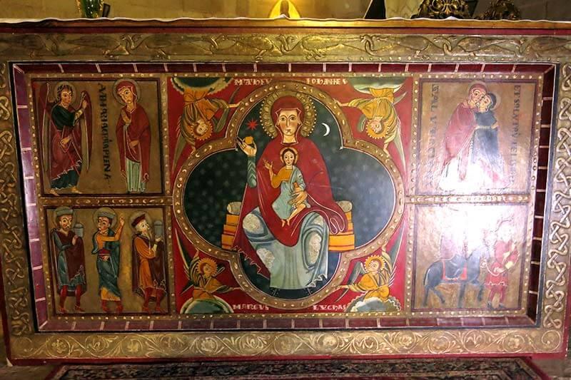 Monestir de Santa Maria de Lluça altar