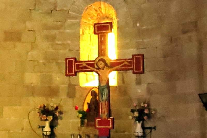 Monestir de Santa Maria de Lluça creu