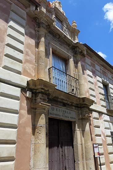 Almaden Academia de Minas