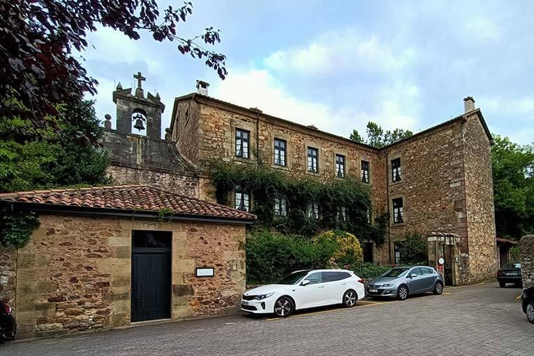 Capilla del Carmen y Colegio de Señoritas, Lierganes, Cantabria