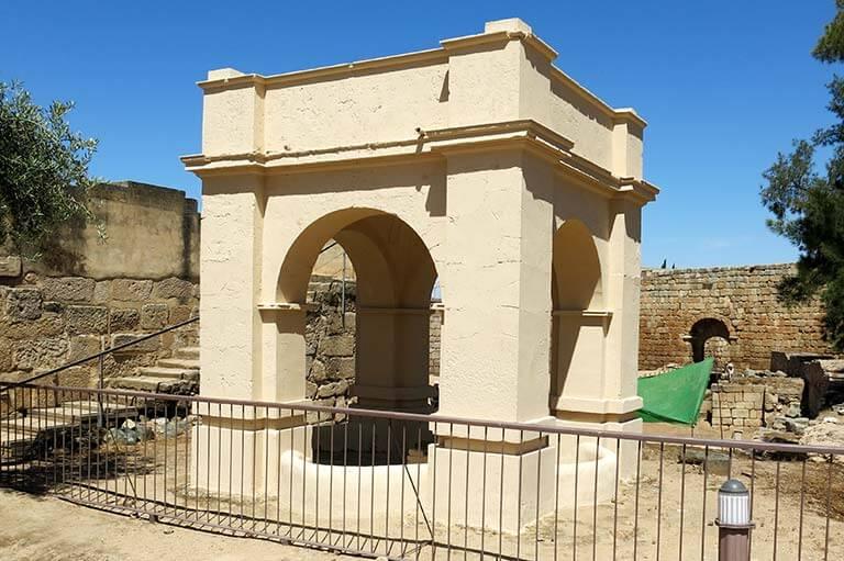 Merida Alcazaba Templete