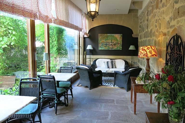 Hotel Churrut, Bera
