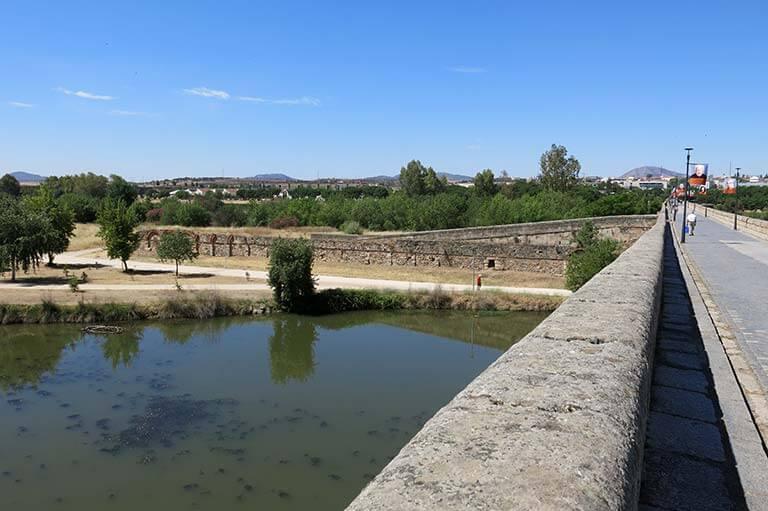 Merida Puente sobre el Guadiana