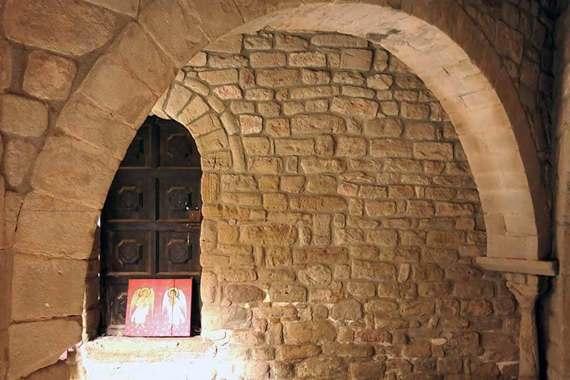 Monestir de Santa Maria de Lluça Claustre
