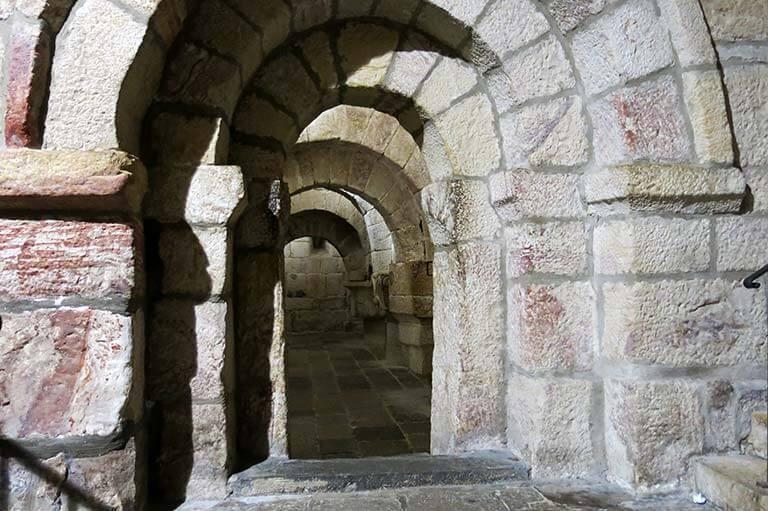 Monasterio de Leyre, Cripta