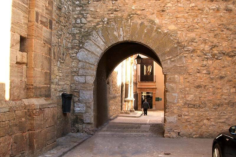 La-Iglesuela-del-Cid Portal de S Pablo