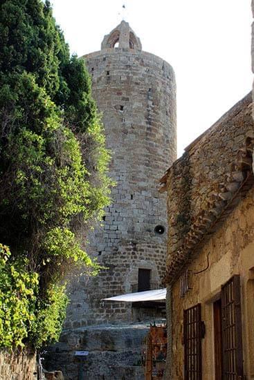 Pals, Girona. Torre de les hores