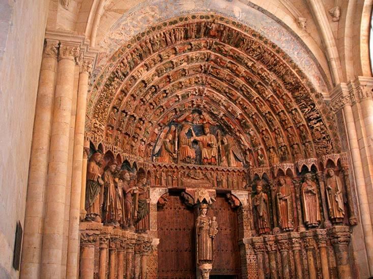 Puerta gótica de la Colegiata de Santa María la Mayor de Toro (Zamora)