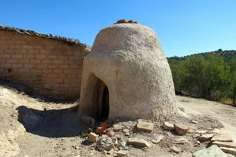 Yacimiento ibero de El Cerro de la Cruz, Almedinilla horno ceramico