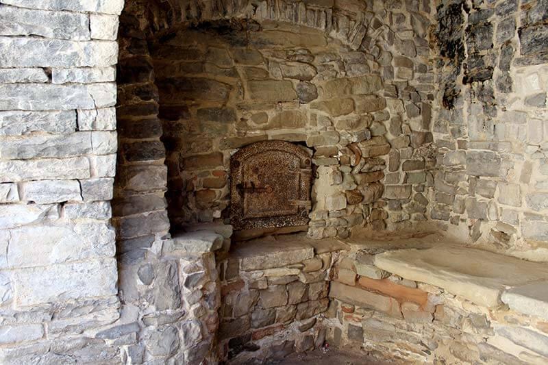 Montfalco Murallat Forn comunal