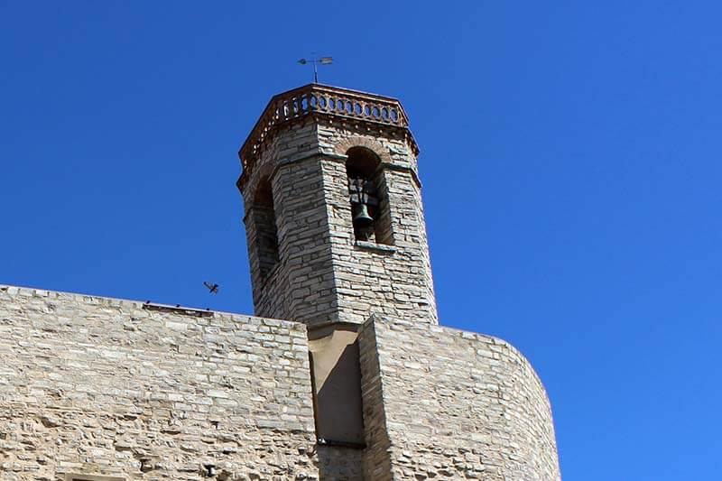 Montfalco Murallat Esglesia de sant Pere