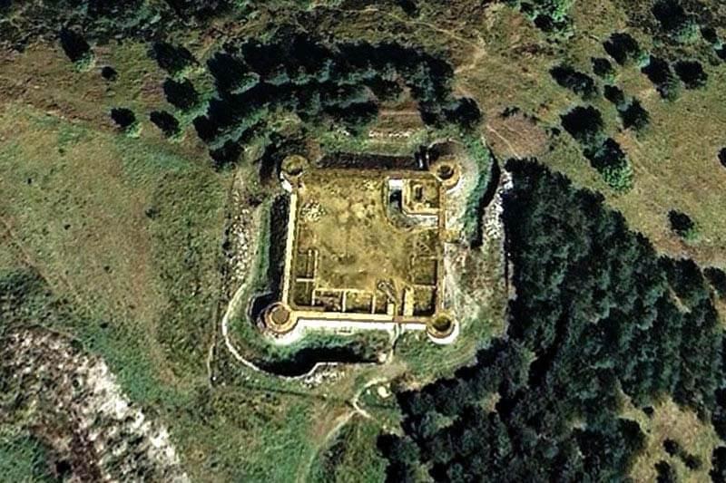 Llivia Castell (Google earth 2018-12-14)