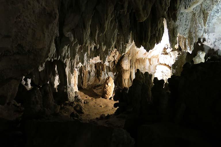 Cuevas de Ikaburua, Urdax