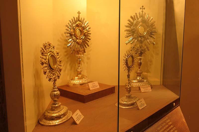 Monestir de Santa Maria de Lluça Objetos liturgicos