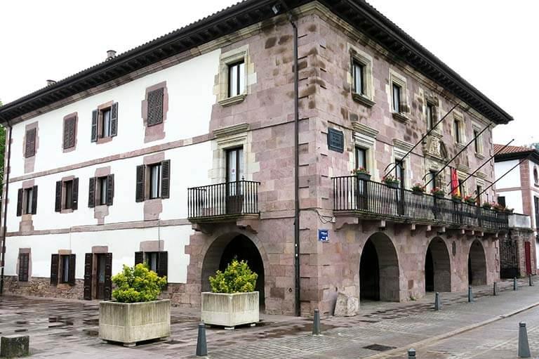 Elizondo, Ayuntamiento