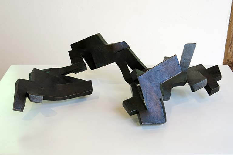 Chillida Hierros de temblor III, 1957, bronce