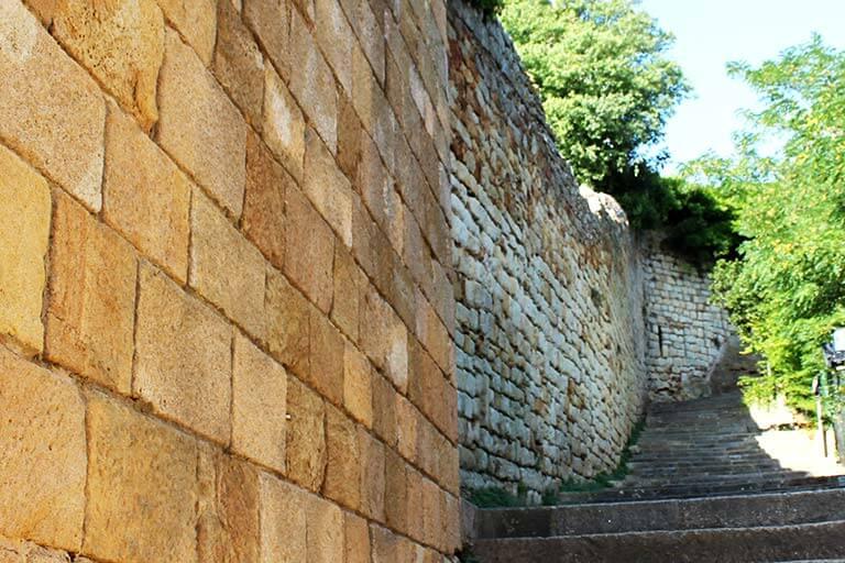 Pals, Girona. Muralla