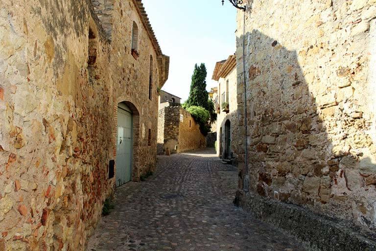 Pals, Girona. Raval