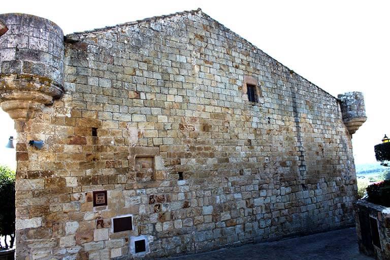 Pals, Girona. Ca la Pruna